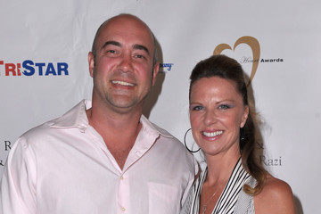Mo Collins 11th Annual Golden Heart Awards - Red Carpet
