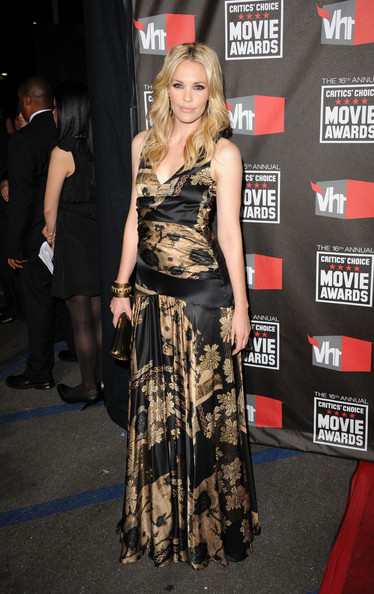 Actress Leslie Bibb arrives at the 16th annual Critics' Choice Movie Awards at the Hollywood Palladium on January 14, 2011 in Los Angeles, California.