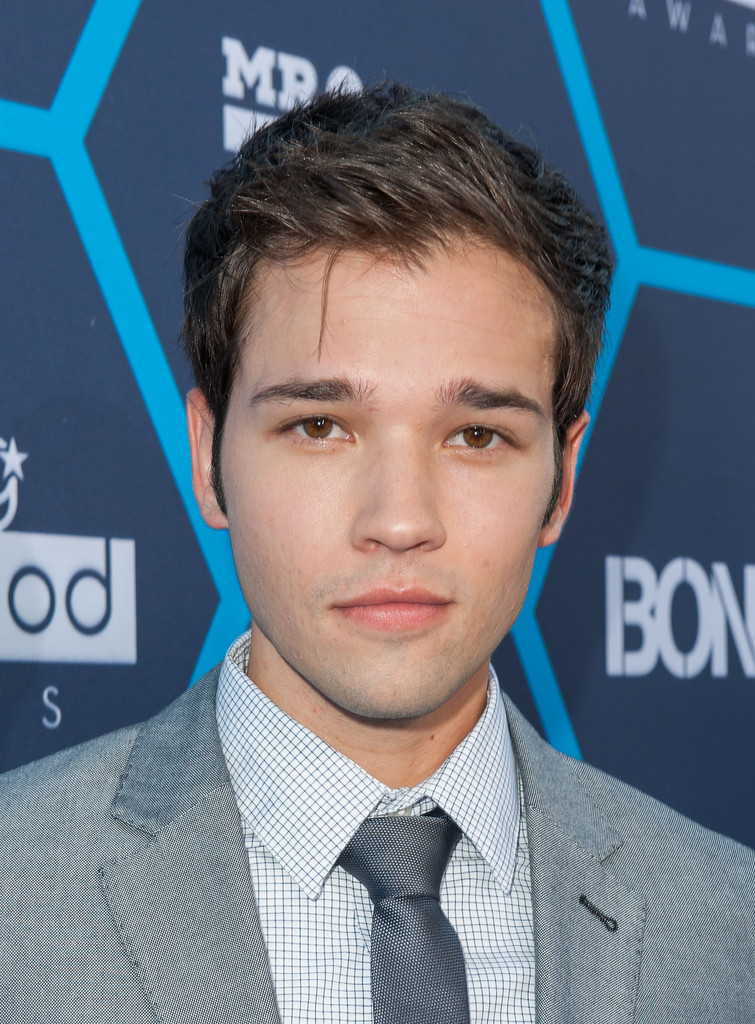 nathan kress photos photos arrivals at the young. Black Bedroom Furniture Sets. Home Design Ideas