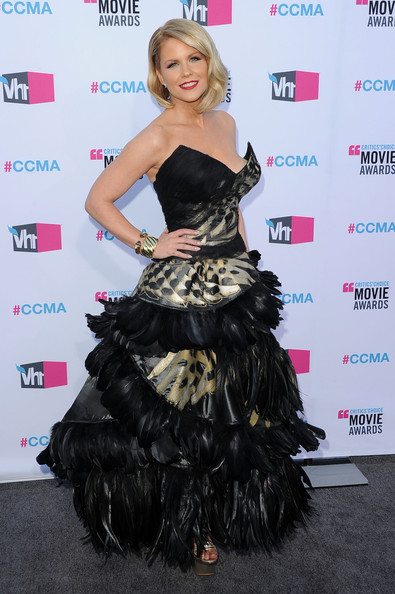 Actress Carrie Keagan arrives at the 17th Annual Critics' Choice Movie Awards held at The Hollywood Palladium on January 12, 2012 in Los Angeles, California.