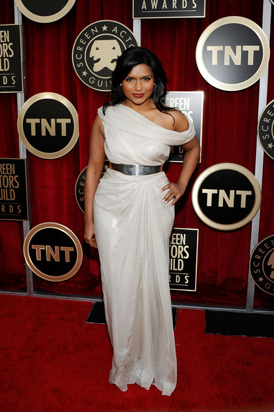 Actress Mindy Kaling arrives at the 17th Annual Screen Actors Guild Awards held at The Shrine Auditorium on January 30, 2011 in Los Angeles, California.