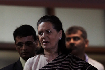 Sonia Gandhi 19th Commonwealth Games - Closing Ceremony