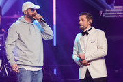 Sido and Klaas Heufer-Umlauf perform on stage during the 1Live Krone radio award at Jahrhunderthalle on December 07, 2017 in Bochum, Germany.  (Photo by Andreas Rentz/Getty Images) *** Local Caption *** Sido; Klaas Heufer-Umlauf
