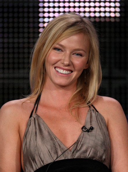 Kelli Giddish actress