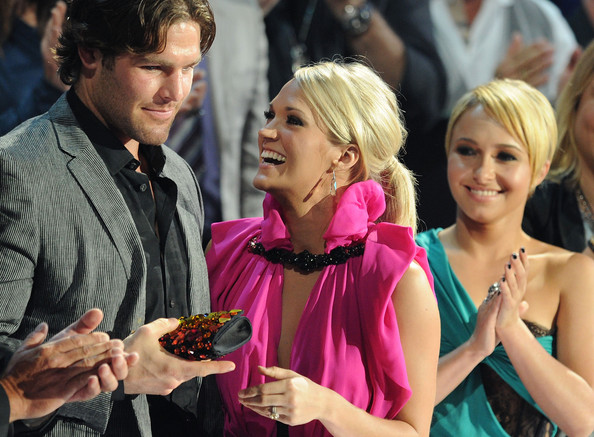 carrie underwood wedding pictures. Mike Fisher, Carrie Underwood