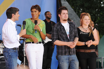 """Robin Roberts George Stephanopoulos 2010 """"American Idol"""" Top 10 Perform On ABC's """"Good Morning America"""""""