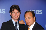 (L-R) Actors Jerry O'Connell and Jim Belushi attend the 2010 CBS UpFront at Damrosch Park, Lincoln Center on May 19, 2010 in New York City.