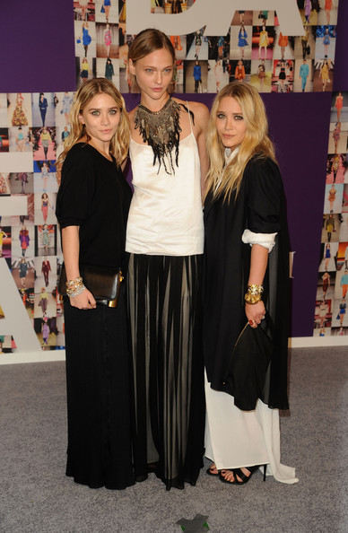 (L-R) Ashley Olsen, Sasha Pivovarova and Mary-Kate Olsen attend the 2010 CFDA Fashion Awards at Alice Tully Hall at Lincoln Center on June 7, 2010 in New York City.