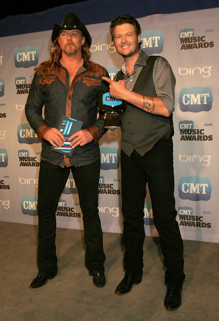 d15664b214cef Trace Adkins Photos»Photostream · Main · Articles · Pictures · 2010 CMT  Music Awards - Press Room