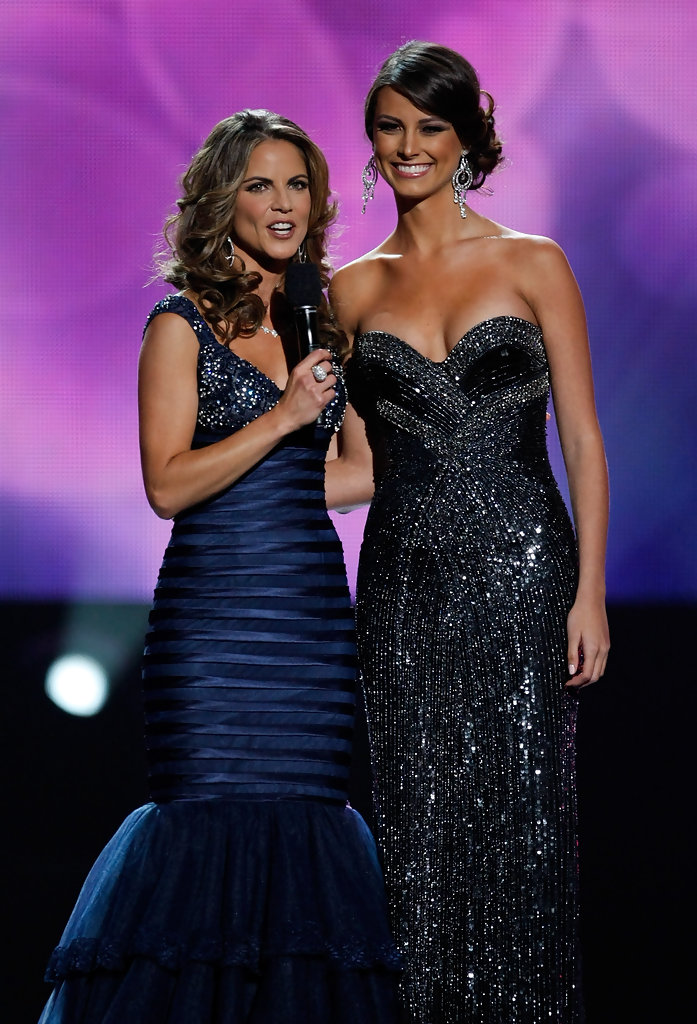 Natalie Morales hosting Miss Universe pageant 2010.