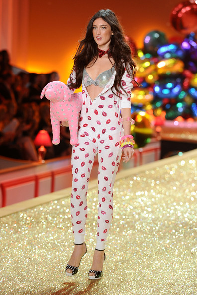 Model Jacquelyn Jablonski walks the runway during the 2010 Victoria's Secret Fashion Show at the Lexington Avenue Armory on November 10, 2010 in New York City.