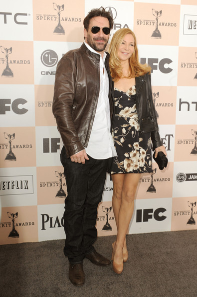 Actor Jon Hamm and  Jennifer Westfeldt arrive at the 2011 Film Independent Spirit Awards at Santa Monica Beach on February 26, 2011 in Santa Monica, California.