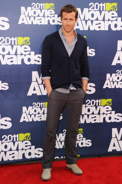 Actor Ryan Reynolds arrives at the 2011 MTV Movie Awards at Universal Studios' Gibson Amphitheatre on June 5, 2011 in Universal City, California.