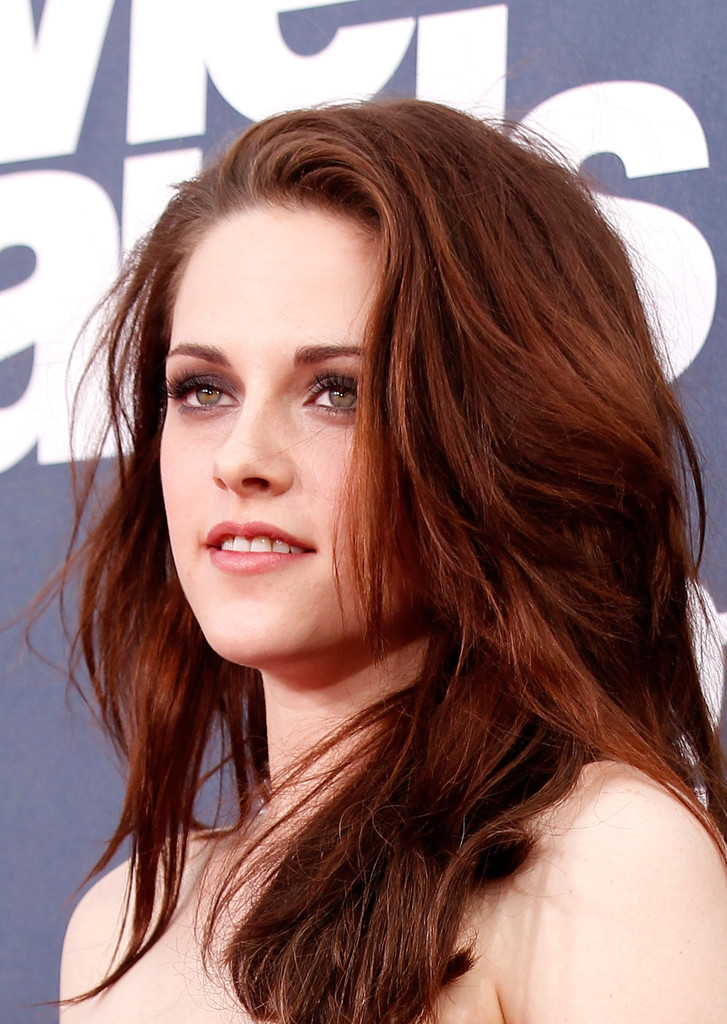 Kristen Stewart In 2011 Mtv Movie Awards Red Carpet Zimbio