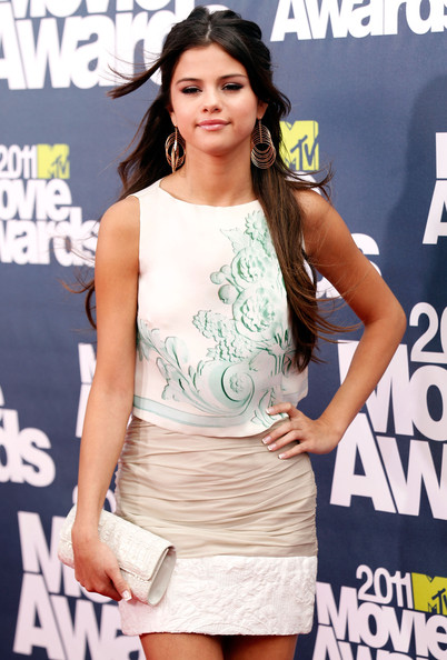 Actress Selena Gomez arrives at the 2011 MTV Movie Awards at Universal Studios' Gibson Amphitheatre on June 5, 2011 in Universal City, California.
