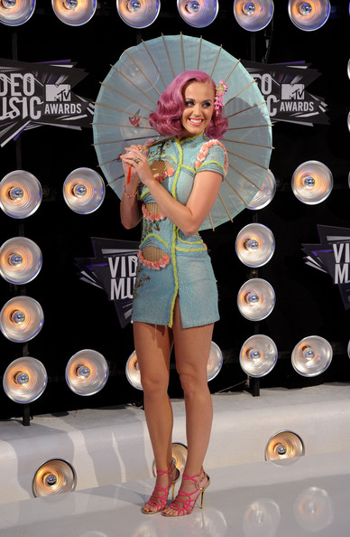 Katy+Perry in 2011 MTV Video Music Awards - Arrivals