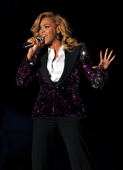 Singer Beyonce Knowles performs onstage during the 2011 MTV Video Music Awards at Nokia Theatre L.A. LIVE on August 28, 2011 in Los Angeles, California.