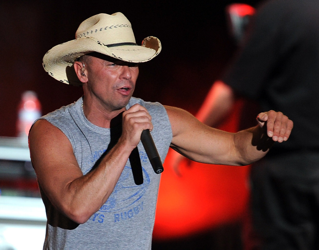 Kenny Chesney\'s \'All I Want for Christmas Is a Real Good Tan\' - The ...