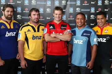 Keven Mealamu:Andrew Hore 2011 Super Rugby Season Launch