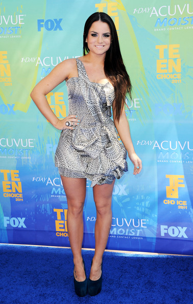 Singer JoJo arrives at the 2011 Teen Choice Awards held at the Gibson Amphitheatre on August 7, 2011 in Universal City, California.