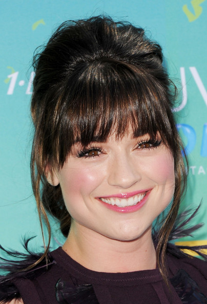 Actress Crystal Reed arrives at the 2011 Teen Choice Awards held at the Gibson Amphitheatre on August 7, 2011 in Universal City, California.