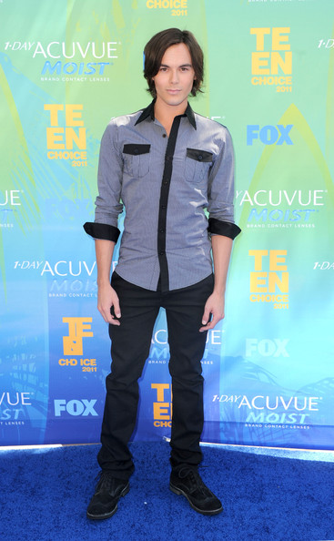Actor Tyler Blackburn arrives at the 2011 Teen Choice Awards held at the Gibson Amphitheatre on August 7, 2011 in Universal City, California.