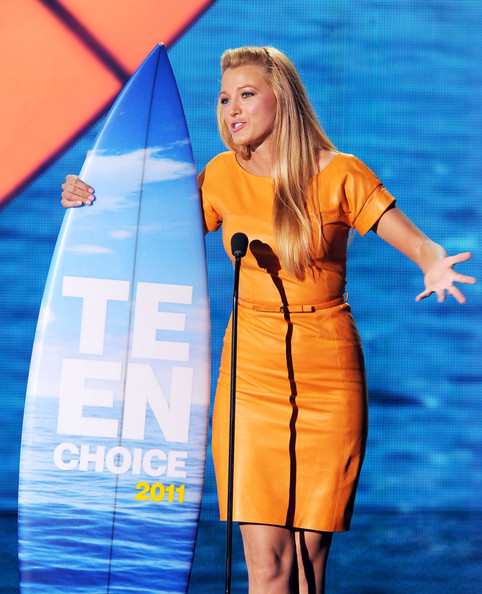 Actress Blake Lively accepts the Choice TV Drama Actress award onstage during the 2011 Teen Choice Awards held at the Gibson Amphitheatre on August 7, 2011 in Universal City, California.