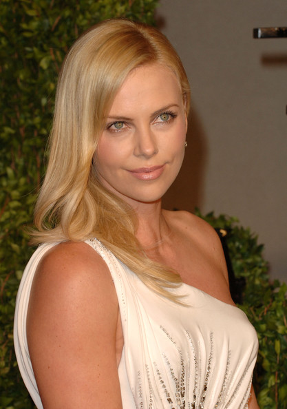 Actress Charlize Theron arrives at the Vanity Fair Oscar party hosted by Graydon Carter held at Sunset Tower on February 27, 2011 in West Hollywood, California.