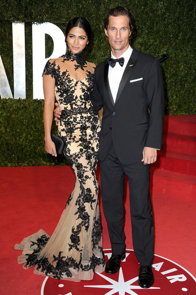 Model Camila Alves and actor Matthew McConaughey  arrive at the Vanity Fair Oscar party hosted by Graydon Carter held at Sunset Tower on February 27, 2011 in West Hollywood, California.
