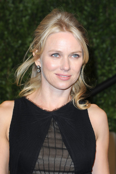 Actress Naomi Watts arrives at the Vanity Fair Oscar party hosted by Graydon Carter held at Sunset Tower on February 27, 2011 in West Hollywood, California.