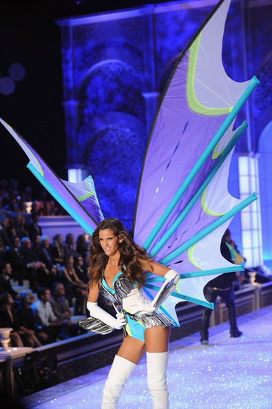 Model Izabel Goulart walks the runway during the 2011 Victoria's Secret Fashion Show at the Lexington Avenue Armory on November 9, 2011 in New York City.