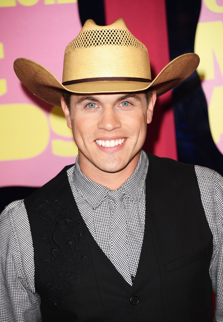 Dustin Lynch Photos Photos 2012 CMT Music Awards