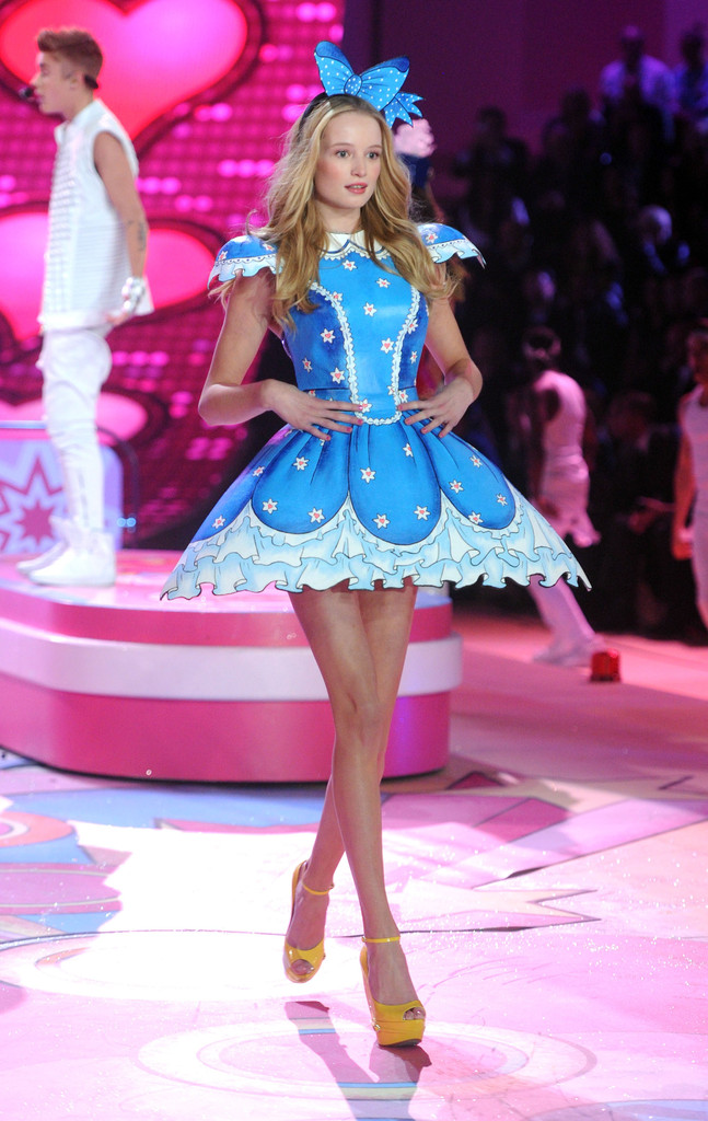 Where To Get Boots From Victoria S Secret Fashion Show