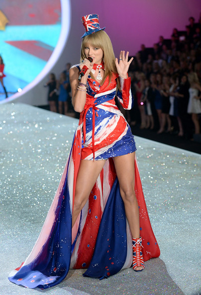 Victoria Fashion Show Taylor Swift Victoria s Secret Fashion