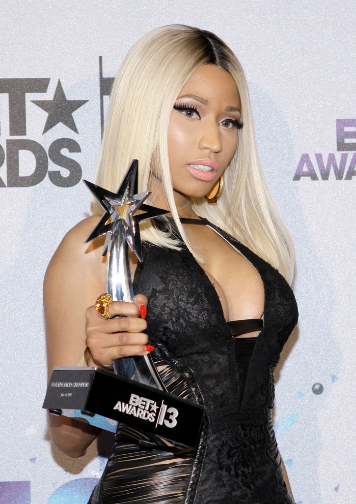 nicki minaj photos photos backstage at the bet awards
