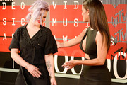 TV personalities Kelly Osbourne (L) and Rocsi Diaz attend the 2015 MTV Video Music Awards at Microsoft Theater on August 30, 2015 in Los Angeles, California.