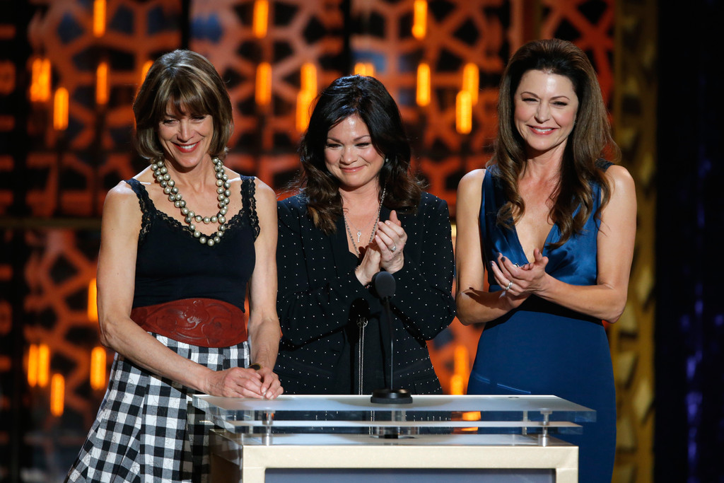 Valerie bertinelli photos photos 2015 tv land awards for Tv land tv shows