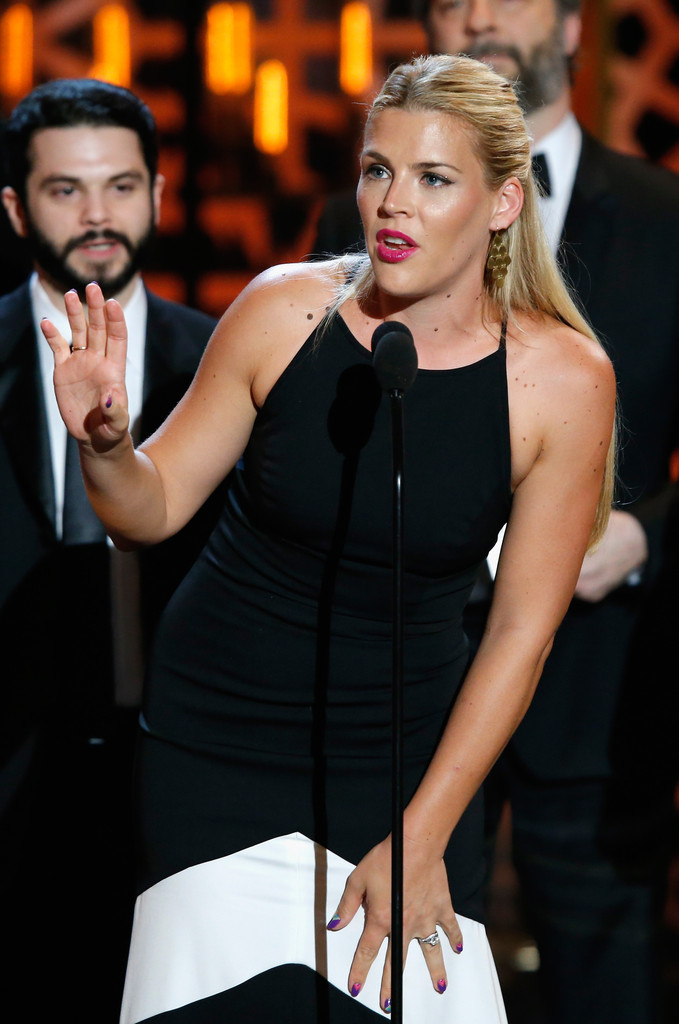 Busy philipps photos photos 2015 tv land awards show for Tv land tv shows