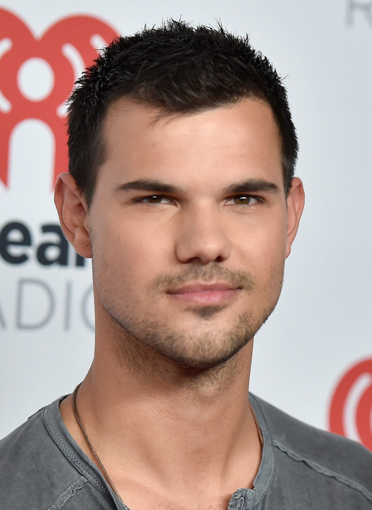 Taylor Lautner Photos ...
