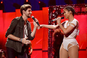 Jennifer Lopez Alvaro Soler Photos Photo