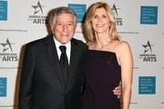 Singer Tony Bennett and Susan Benedetto attend the Americans for the Arts National Arts Awards 2016 at Cipriani 42nd Street on October 17, 2016 in New York City. / AFP / ANGELA WEISS