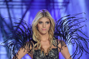 Devon Windsor - Kendall Jenner Isn't Walking VSFS This Year, But These Models Are