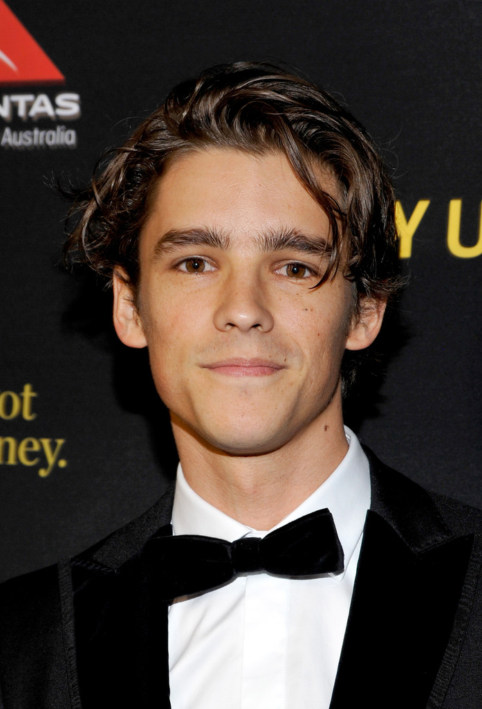 Brenton Thwaites In 2017 G Day Black Tie Gala 1 Of 3 Zimbio