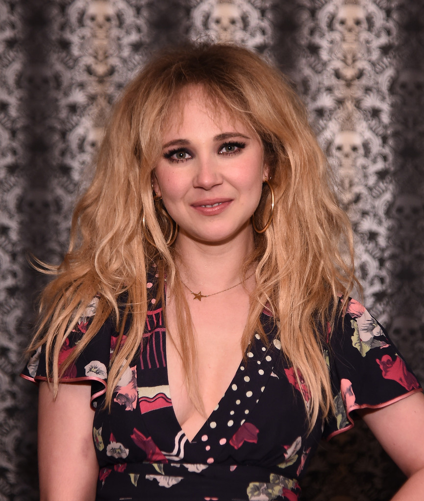 Communication on this topic: Ellie bamber chanel metiers dart 201617 collection in tokyo, juno-temple-one-percent-more-humid-premiere/
