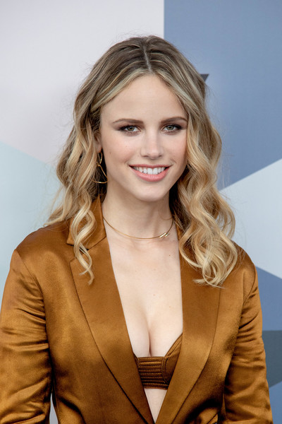 Halston Sage Nude Photos 87