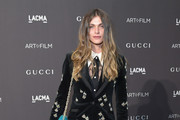 Model Elisa Sednaoui, wearing Gucci, attends 2018 LACMA Art + Film Gala honoring Catherine Opie and Guillermo del Toro presented by Gucci at LACMA on November 3, 2018 in Los Angeles, California.
