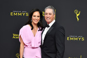 Annabeth Gish Photos Photo