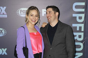 NEW YORK, NY  MAY 13: Jenny Mollen and Jason Biggs attend the 2019 FOX Upfront at Wollman Rink, Central Park on May 13, 2019 in New York City.