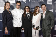 (L-R) Annie Murphy, Dan Levy, Emily Hampshire, Sarah Levy and Noah Reid arrive at the 2019 GLAAD Gala at the Hyatt Regency in San Francisco on September 28, 2019 in San Francisco, California.
