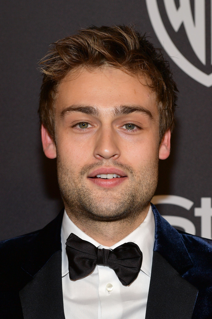 Douglas Booth Photos Photos - The 2019 InStyle And Warner ...